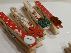 decorare pasta di mais - Cerca con Google Christmas Neighbor, Christmas Craft Fair, Holiday Crafts For Kids, Christmas Makes, Christmas Gift Wrapping, Christmas Tag, Craft Stick Crafts, Diy And Crafts, Christmas Crafts