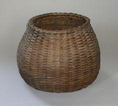 I love olde baskets Margaret Bourke White, The Trooper, Vintage Baskets, Livingston, Vase, Stone, Antiques, Purses, Envelopes