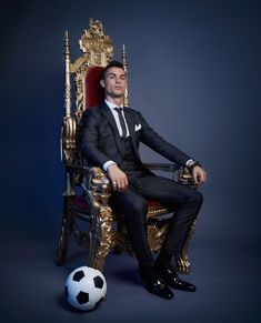 Looking for New 2019 Juventus Wallpapers of Cristiano Ronaldo? So, Here is Cristiano Ronaldo Juventus Wallpapers and Images Cristiano Ronaldo 7, Messi Et Ronaldo, Cr7 Messi, Cristiano Ronaldo Wallpapers, Ronaldo Football, Fifa Football, Lionel Messi, Football Soccer, College Football