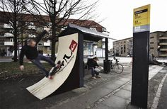 Click through for more creative bus stop adveertising.