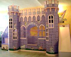 Busca imágenes de diseños de Habitaciones infantiles estilo translation missing: mx.style.habitaciones-infantiles.clasico}: Elegante castillo morado. Encuentra las mejores fotos para inspirarte y y crear el hogar de tus sueños.