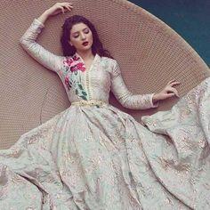 Moroccan Princesses | Nuriyah O. Martinez | Nouveau catalogue du takchita et caftan marocain 2017 styles de luxe qu'on met en vente sur mesure à des prix pas cher sur notre boutique