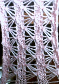 tricots main et machines rétro vintage a aujourd'hui - (page 2) - Le Bontemps rétro pinup vintage Pin Up, Hui, Simple, Vintage, Accessories, Knitting Machine, Trend Accessories, Knits, Handmade
