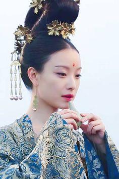 Hanfu, Oriental Fashion, Asian Fashion, Asian Style, Chinese Style, Geisha, Chinese Tv Shows, Chinese Hairpin, Frou Frou