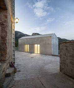 vora arquitectura — Paüls' doctor surgery