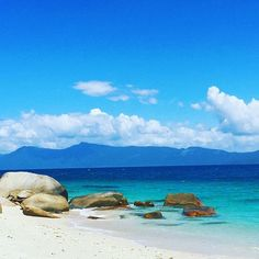 What's missing from this photo of Fitzroy Island? #fitzroyisland chinakyna #fitzroyislandadventures