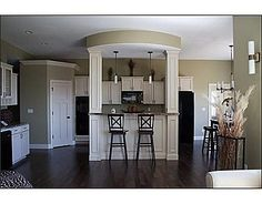 Kitchen island and sweet cabinets