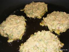 Frying Mücver Mixture How to make #Turkish dish, mücver (courgette/zucchini fritters). Click for recipe. Afiyet olsun. :)