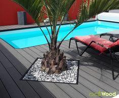 plage de piscine moderne rouge en lames composite gris foncé-min Diy Hacks, Strand, Indoor Outdoor, Construction, Gardening, Blog, Gardens, Houses, Pools