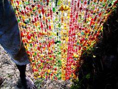 #Beads curtain with Ghana colors, De bien belles journees entre Busua Inn et Ezile Bay, lovely Ghana!   Ghana : Entre Busua Inn et Ezile Bay Village