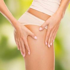 """Schwere Beine? Wassereinlagerungen? Die Körperbehandlung """"Contour Drainant"""" nach der Yon-Ka Methode zielt auf dieses Problem. Beginnend mit einer drainierenden Massage für die Beine und gefolgt von einem kühlem Wickel und hautfestigender, straffender Körpercreme verhilft diese Behandlung zu leichteren Beinen und verfeinertem Hautgewebe. 1 Seance (60 min) - 69 € / 6 Seancen (6x 60 min) - 370 €. Kosmetikstudio Youthful in München. Termine nach Vereinbarung, täglich 8-23 Uhr. Tel.: 08982959888"""