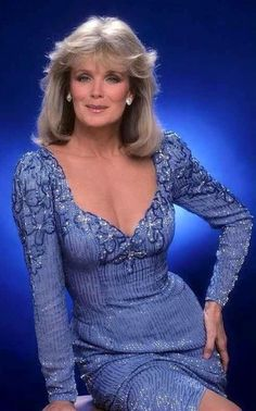 celebrities Linda Evans in Nolan Miller Dynasty Beautiful Old Woman, Gorgeous Women, Sexy Older Women, Sexy Women, Actrices Hollywood, Classic Beauty, Vintage Beauty, Beautiful Actresses, Beauty