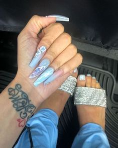 There are three kinds of fake nails which all come from the family of plastics. Acrylic nails are a liquid and powder mix. They are mixed in front of you and then they are brushed onto your nails and shaped. These nails are air dried. Toe Nail Designs, Acrylic Nail Designs, Acrylic Nails, Acrylics, Clear Acrylic, Coffin Nails, Dope Nails, Nails On Fleek, Gorgeous Nails