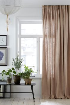 wohnen Getting What You Want In Parenting Have you ever noticed that everything is a battle with you Interior Design Curtains, Interior Design Boards, Beautiful Interior Design, Interior Decorating, Long Curtains, Curtains With Blinds, Little Big House, Decor Room, Bedroom Decor