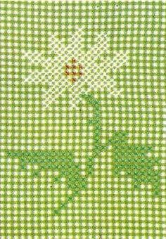 Simplicity 4726 Vintage Cross Stitch for gingham check fabric. A 1950s embroidery cross stitch (chicken scratch) pattern.