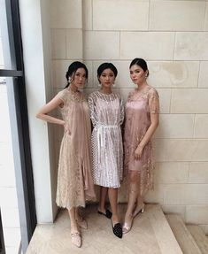 Dress Brokat Modern, Kebaya Modern Dress, Kebaya Dress, Dress Pesta, Model Dress Batik, Batik Dress, Lace Dress, Model Kebaya, Bridesmaid Dresses