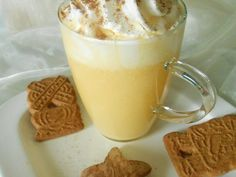 Authentic recipe for the German style eggnog, it is called Eierpunsch in German. Alcoholic drink with wine, brandy or rum and eggs. Eggnog Rezept, Toast Pizza, Chocolate Crepes, Crepe Recipes, French Toast Bake, Vegetable Drinks, Banana Recipes, French Food, Healthy Foods To Eat