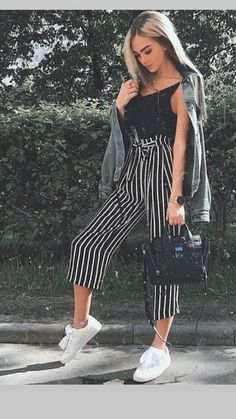 34 Street Style Outfit For Ending Your Summer - Fashion Owner Look Fashion, 90s Fashion, Fasion, Fashion Outfits, Womens Fashion, Fashion Trends, Girl Fashion, Fashion Stores, Fashion Boots