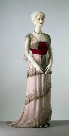 1910 dress by Worth