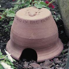 Toad House - Provide an attractive home for your amphibian friends and they will repay you by keeping down the slugs and harmful bugs in your garden. Attractive toad-friendly design. Makes a great gift for a gardening friend or a child who loves nature.