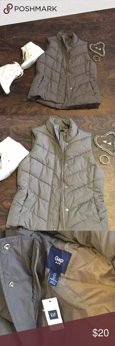 NWT Gap Bubble Vest This new with tag bubble Vest is great for the cooler weather! Very stylish with boots and jeans! This Vest is a mauve color. GAP Jackets & Coats Vests