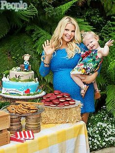 Jessica Simpson with her and soon 2 be hubby's daughter Maxwell