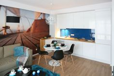 Everything And Nothing, Flat Ideas, Malaga, Home Kitchens, Office Desk, Corner Desk, Dining Table, House, Inspiration