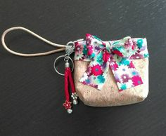 Check out this item in my Etsy shop https://www.etsy.com/listing/526997655/hand-coin-purse-and-keychain-set-small