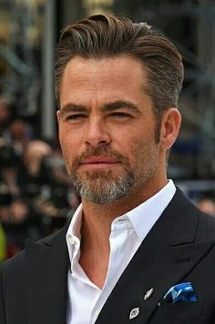 "Chris Pine attends the UK premiere of ""Star Trek Beyond"" on July 2016 in London, United Kingdom. Mens Hairstyles With Beard, Hair And Beard Styles, Haircuts For Men, Curly Hair Styles, Medium Hair Cuts, Short Hair Cuts, Medium Hair Styles, Classic Hairstyles, Cool Hairstyles"