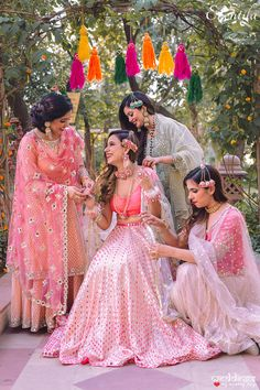 Your pampering you on your wedding is a must photo idea. Bridal Poses, Bridal Photoshoot, Wedding Poses, Wedding Shoot, Indian Wedding Photography Poses, Bride Photography, Mehendi Photography, Marriage Poses, Bridesmaid Poses