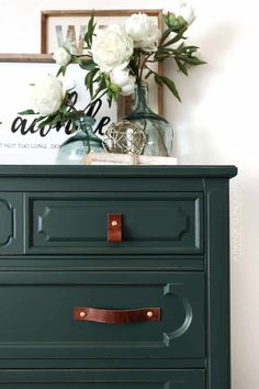 Check out this chalk painted dresser in dark green chalk paint. This step by step tutorial shows the before and after of how to paint a dresser with chalk paint. Plus get more DIY furniture makeover and painted dresser ideas here!
