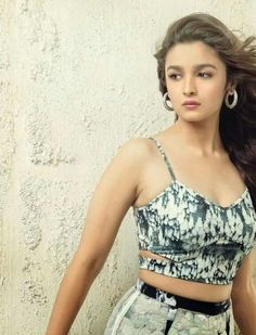 Here are all the pics from the hot and sexy photoshoot of Alia Bhatt for the May 2014 cover of Cineblitz Magazine. Have a look at the smoking hot photos. Bollywood Actress Hot Photos, Beautiful Bollywood Actress, Beautiful Indian Actress, Bollywood Fashion, Bollywood Stars, Beautiful Women, Beautiful Gif, Hot Actresses, Indian Actresses