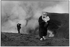 .JAPAN. Mount Aso. 1965 - Photo HCB