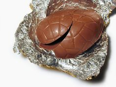 How to Use Leftover Easter Eggs! Make Chocolate Chip Cookies, Chocolate Pancakes, Chocolate Caramels, Chocolate Frosting, Brownie Recipes, Chocolate Recipes, Cookie Recipes, Easter Chocolate, Melting Chocolate