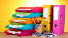 Are you looking for a more efficient way to organize your desk? These tips on how to tame your paper clutter will give you the tools necessary to declutter! Small Business Trends, Business Tips, Export Business, Business Launch, Serious Business, Business Education, Business Website, Family Business, Business Organization