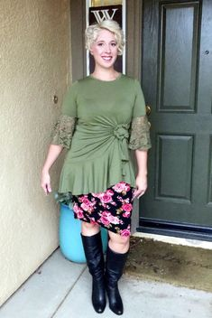 a2d4922c1c4 Lularoe Maurine tied over a Cassie Skirt. Love this!!! Fashion Tips