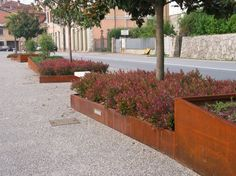 Corten steel raised beds Landscape Plans, Landscape Architecture, Landscape Design, Garden Design, Terrace Garden, Garden Beds, Home And Garden, Monuments, Outdoor Cooking Area