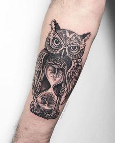 owl tattoo for women \ owl tattoo owl tattoo design owl tattoo for women owl tattoo drawings owl tattoo men owl tattoo small owl tattoo for women small owl tattoo sleeve Owl Tattoo Design, Tattoo Designs, Tattoos Masculinas, Wrist Tattoos, Body Art Tattoos, Owl Sleeve Tattoos, Owl Forearm Tattoo, Mens Owl Tattoo, Leg Tattoos Women