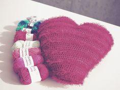 Handarbeit mit Herz <3 ... die passenden Wolle gibt's bei uns [ http://www.fischer-wolle.de/seidenglanz.html ..... und http://www.fischer-wolle.de/brazilia-uni-color.html ]