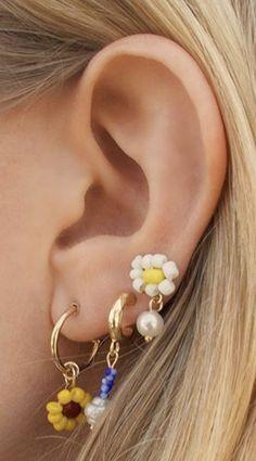 Cute Jewelry, Diy Jewelry, Beaded Jewelry, Jewelry Accessories, Beaded Necklace, Jewelry Making, Beaded Bracelets, Ear Piercings Tragus, Cute Ear Piercings