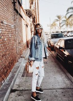 White Distressed jeans with denim jacket casual look