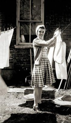 Ooh, the fresh smell of laundry dried outside in the sunshine!