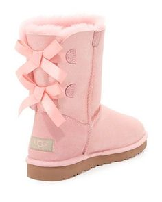 So cheap,Only $39 to get Uggs snow boots quickly to choose which you like, don't miss the opportunity .Click me and get it right now