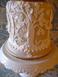 https://flic.kr/p/dWtadb | A Cake For All Seasons - Autumn | A display cake with a design inspired by the plasterwork ceiling in the library at Blickling Hall Norfolk, Suffolk Pargeting and Wedgewood pottery!