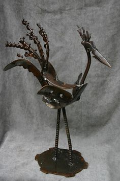 Kathi's Garden Art Rust-n-Stuff Junk Metal Art, Metal Yard Art, Scrap Metal Art, Metal Artwork, Metal Art Projects, Metal Crafts, Metal Art Sculpture, Metal Birds, Found Art