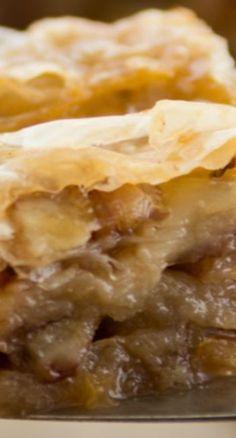 Layers of phyllo and pecan pie flavor make this Pecan Pie Baklava the best yet! Cinnamon Zucchini Bread, Pie Flavors, Phyllo Dough, Best Yet, Tart Recipes, Just Desserts, Scones, Pecan, Pastries