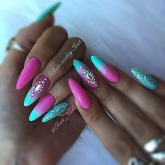 #ombrenails #summernails #pink #pinknails #bluenails
