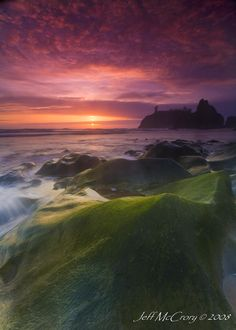 How to Photograph Coastlines by Darren Rowse  ... via digital-photography-school ... this would have come in so handy ....