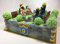 Imagen relacionada Torta Clash Royale, Royal Cakes, Birthday Parties, Birthday Cake, Toy Chest, Pastel, Toys, Party Ideas, Little Girls