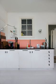 half-painted wall/backsplash / medias paredes You know. Budget Remodel, Kitchen Interior, Kitchen Inspirations, House Design, Interior, Home, Half Painted Walls, Home Kitchens, Kitchen Paint